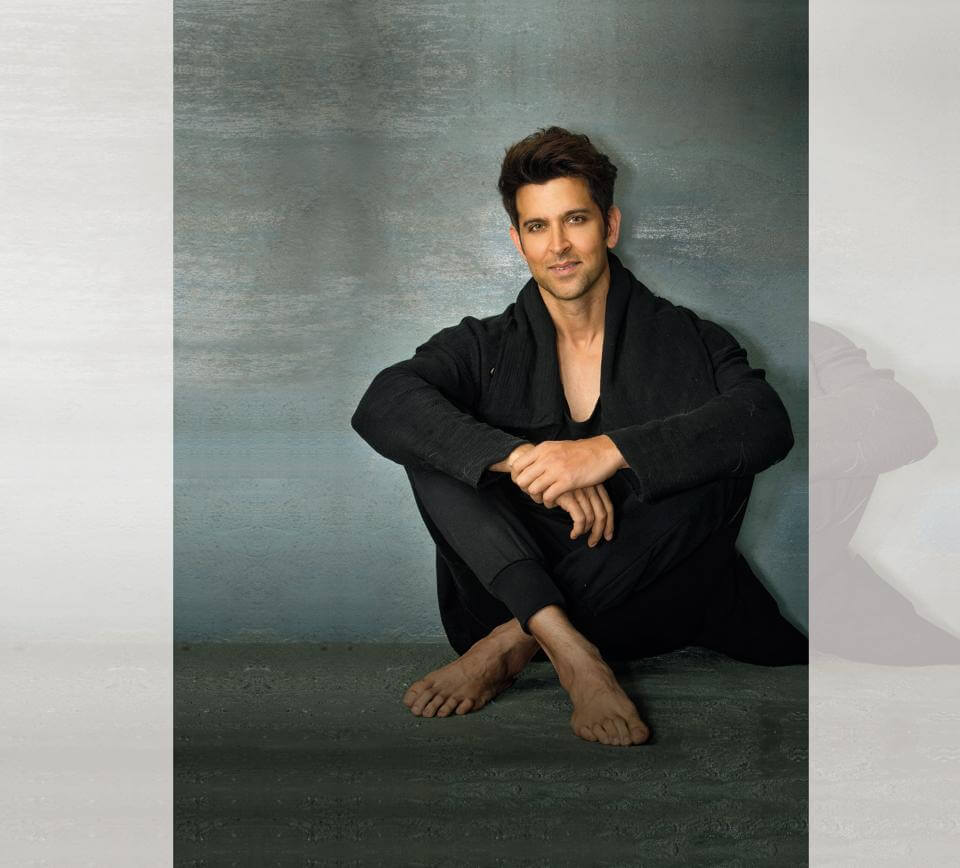 Hrithik Roshan Age, Movie, Height, Wife, Photos(images), Height, News, Dance, Son, Birthday, Family, Biography, Kids, Awards, Education,religion, Instagram, Twitter, Facebook, Wiki, Youtube, (1)