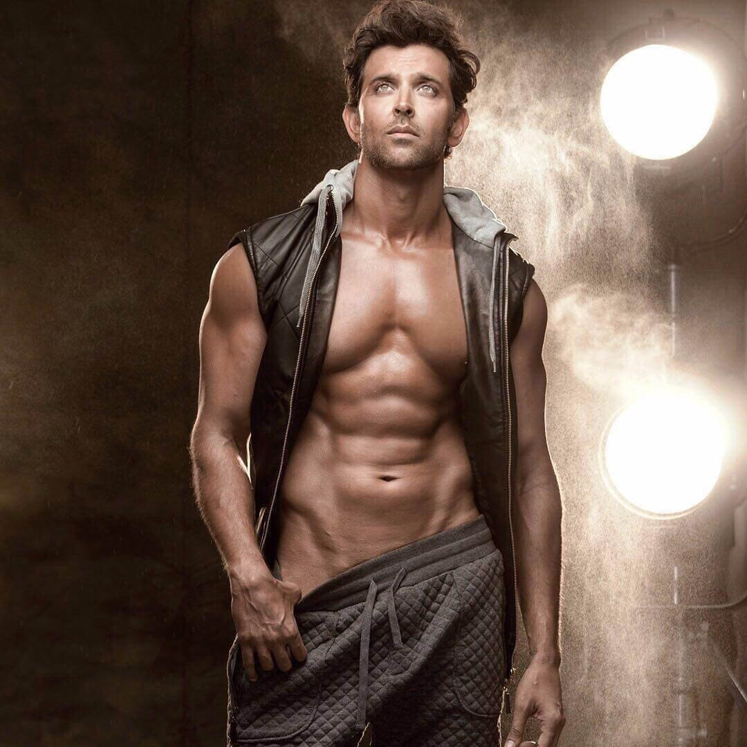 Hrithik Roshan Age, Movie, Height, Wife, Photos(images), Height, News, Dance, Son, Birthday, Family, Biography, Kids, Awards, Education,religion, Instagram, Twitter, Facebook, Wiki, Youtube, ( (100) class=
