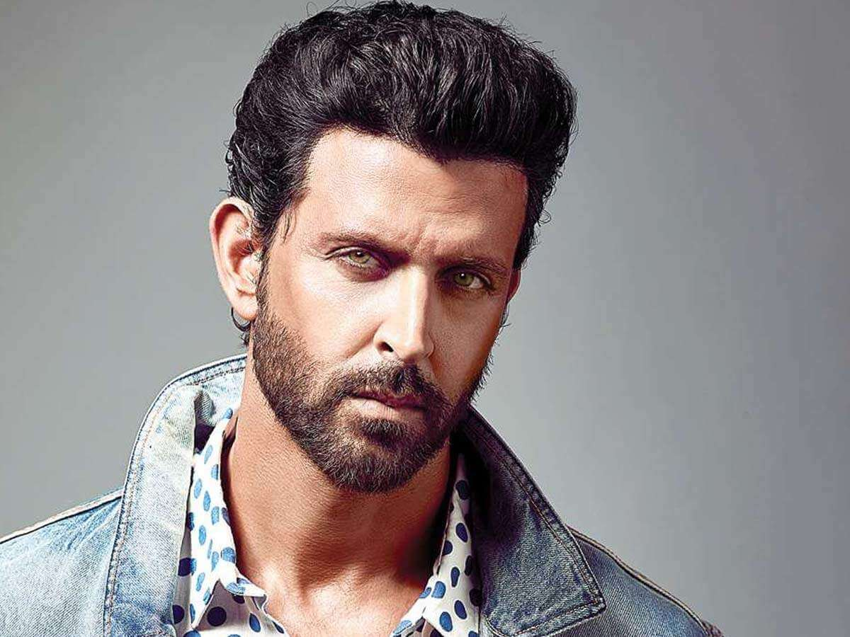 Hrithik Roshan Age, Movie, Height, Wife, Photos(images), Height, News, Dance, Son, Birthday, Family, Biography, Kids, Awards, Education,religion, Instagram, Twitter, Facebook, Wiki, Youtube, ( (146)