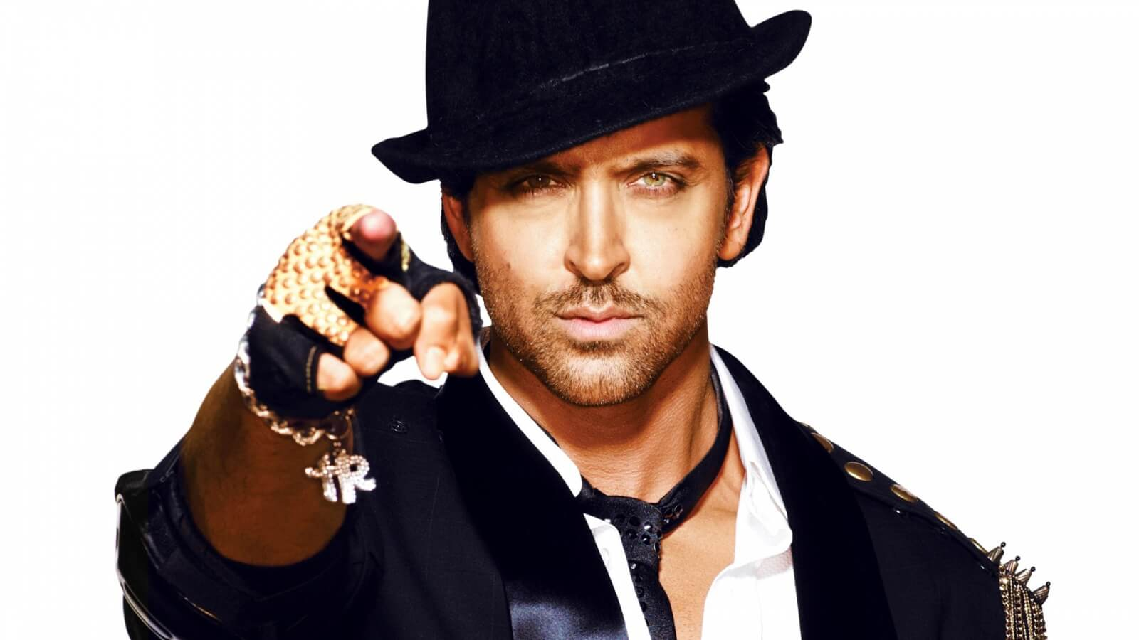 Hrithik Roshan Age, Movie, Height, Wife, Photos(images), Height, News, Dance, Son, Birthday, Family, Biography, Kids, Awards, Education,religion, Instagram, Twitter, Facebook, Wiki, Youtube, ( (166)