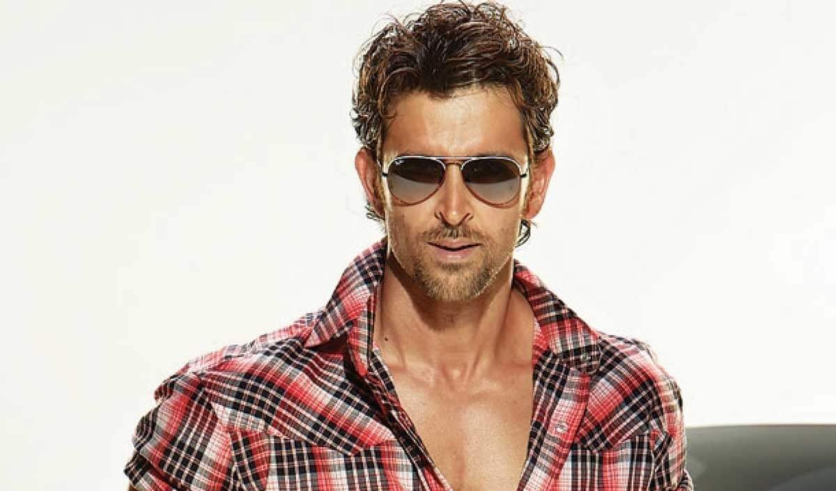 Hrithik Roshan Age, Movie, Height, Wife, Photos(images), Height, News, Dance, Son, Birthday, Family, Biography, Kids, Awards, Education,religion, Instagram, Twitter, Facebook, Wiki, Youtube, ( (168)