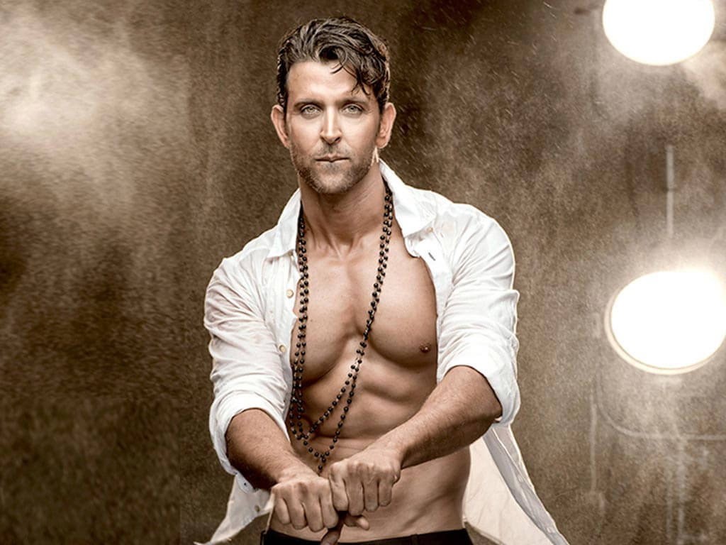 Hrithik Roshan Age, Movie, Height, Wife, Photos(images), Height, News, Dance, Son, Birthday, Family, Biography, Kids, Awards, Education,religion, Instagram, Twitter, Facebook, Wiki, Youtube, ( (88)