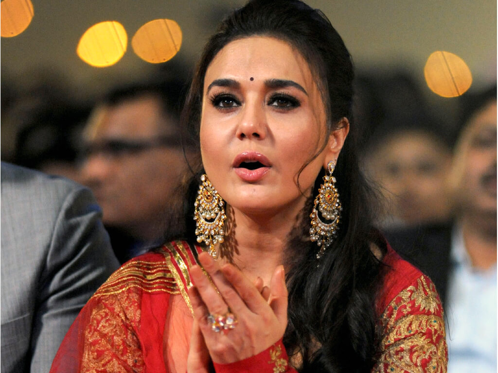 Preity Zinta Age, Husband, Photo(image), Height, Family, Marriage, Biography, Net Worth, Birthday Date, Kids, Education, Awards, Instagram, Wiki, Twitter, Imdb, Facebook (23)