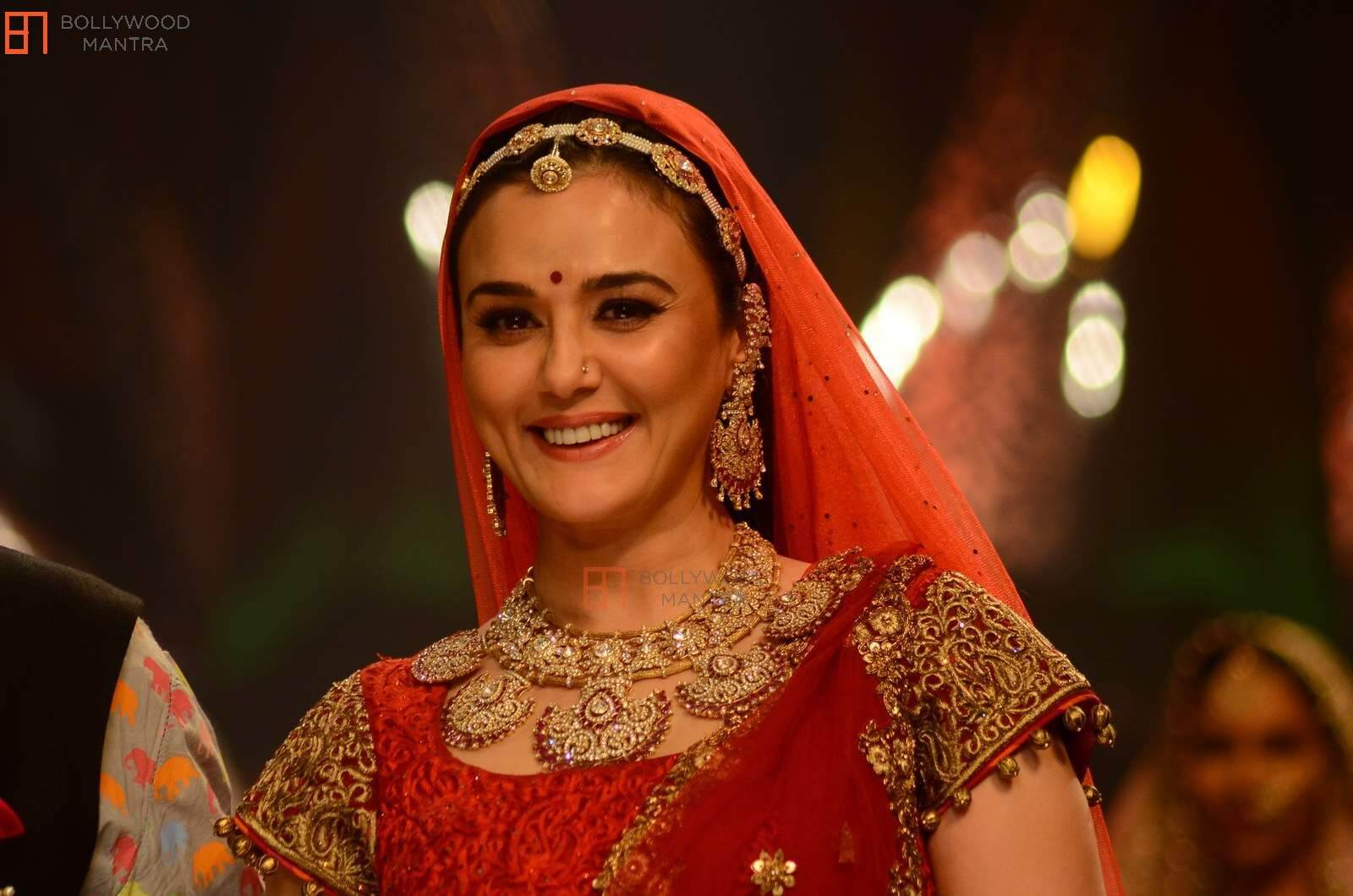 Preity Zinta Age, Husband, Photo(image), Height, Family, Marriage, Biography, Net Worth, Birthday Date, Kids, Education, Awards, Instagram, Wiki, Twitter, Imdb, Facebook (29)