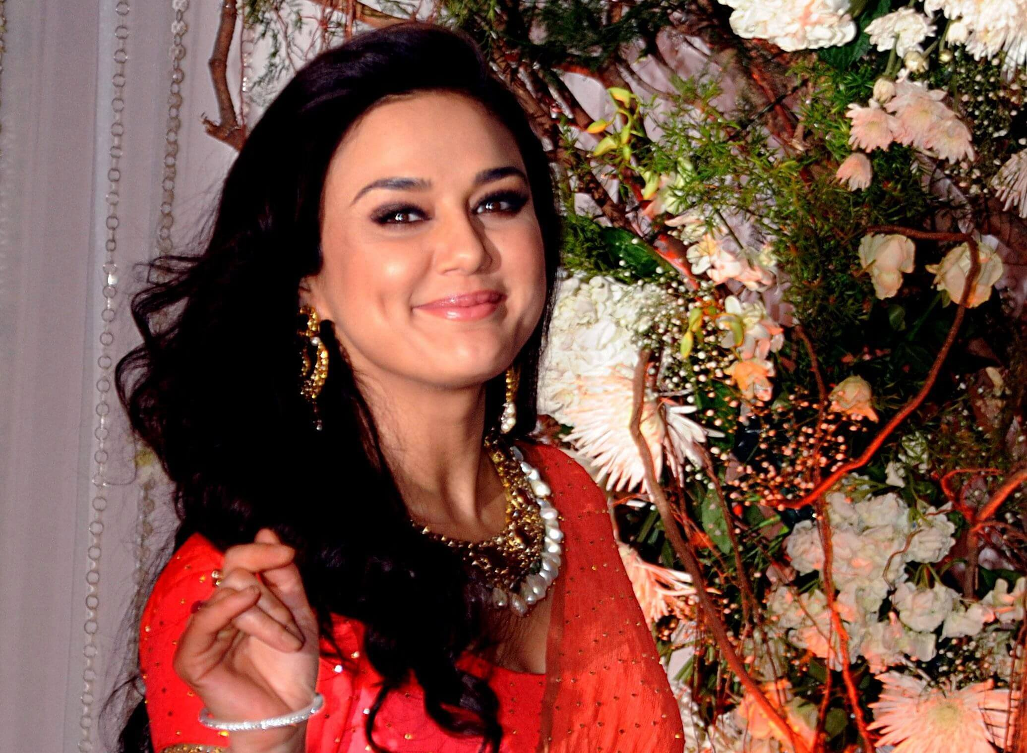 Preity Zinta Age, Husband, Photo(image), Height, Family, Marriage, Biography, Net Worth, Birthday Date, Kids, Education, Awards, Instagram, Wiki, Twitter, Imdb, Facebook (3)