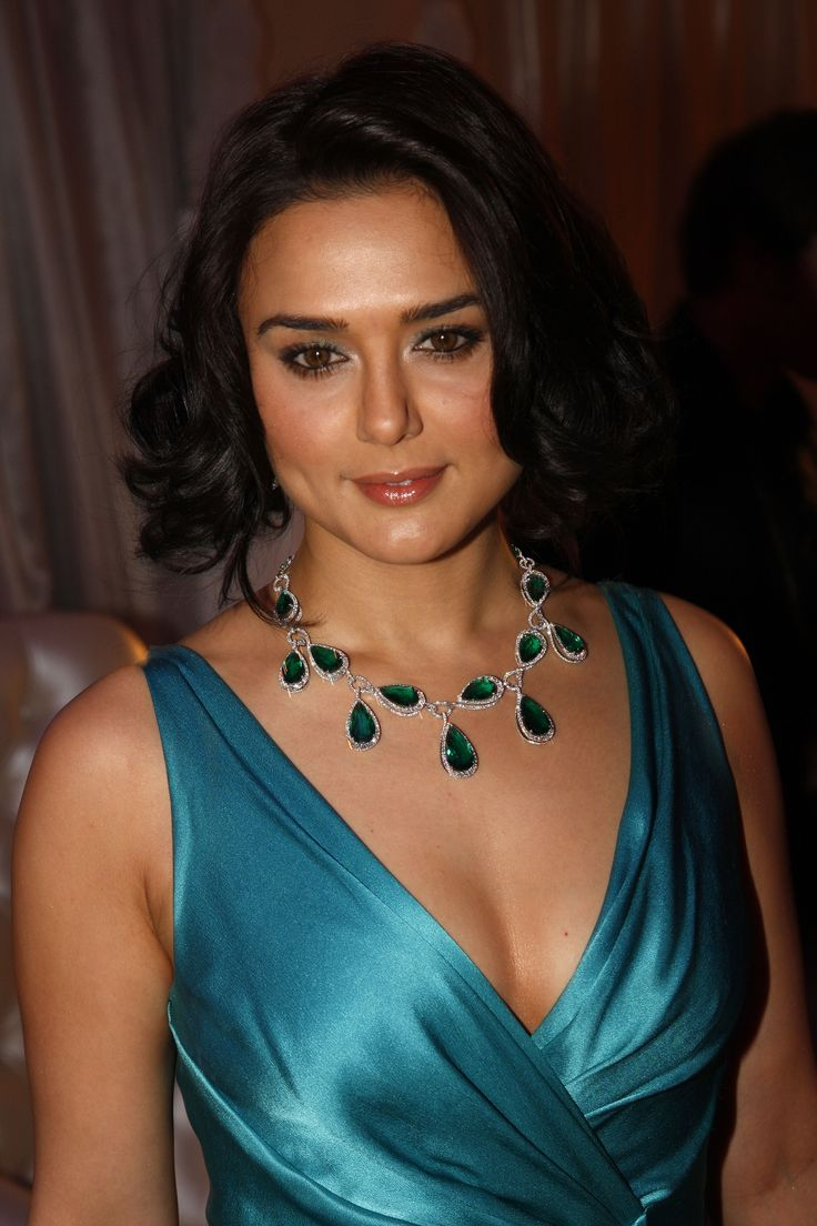 Preity Zinta Age, Husband, Photo(image), Height, Family, Marriage, Biography, Net Worth, Birthday Date, Kids, Education, Awards, Instagram, Wiki, Twitter, Imdb, Facebook (47)