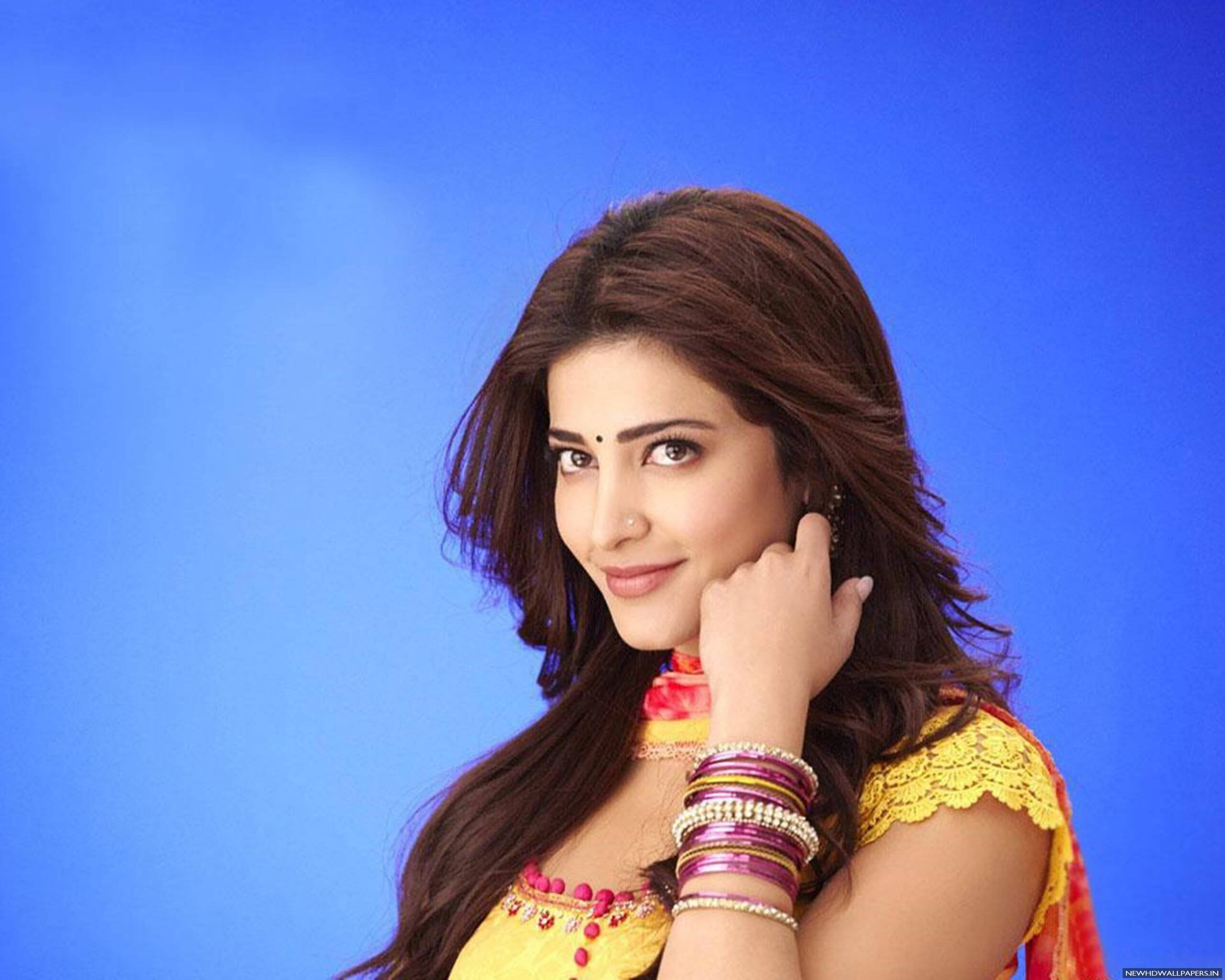 Shruti Haasan Age, Image(photos), Date Of Birth, Height, Boyfriend, Sister, Mother, Religion, Biography, Marriage, Family, Net Worth, Education, Awards, Instagram, Twitter, Wiki, Facebook, Imd ( (146)