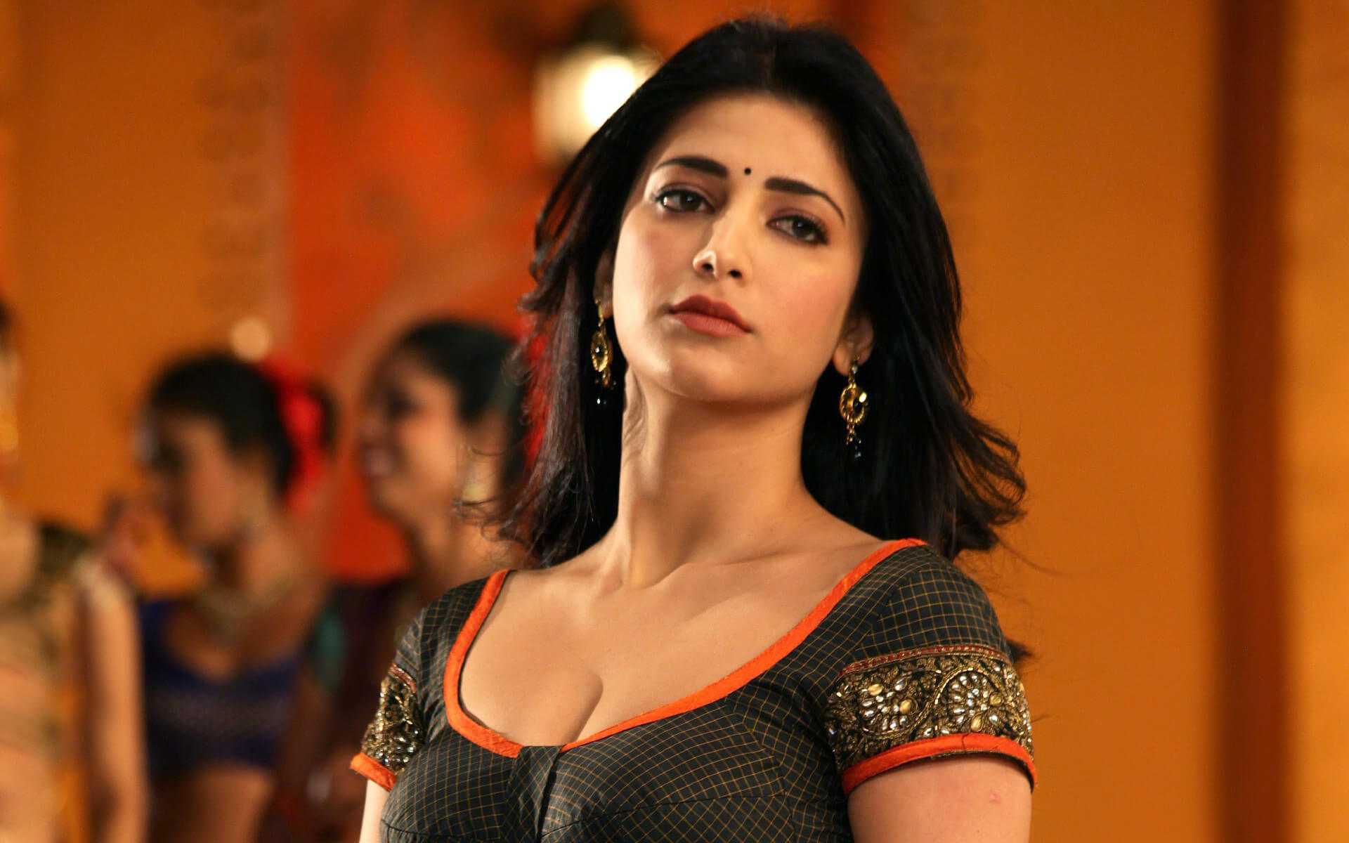 Shruti Haasan Age, Image(photos), Date Of Birth, Height, Boyfriend, Sister, Mother, Religion, Biography, Marriage, Family, Net Worth, Education, Awards, Instagram, Twitter, Wiki, Facebook, Imd ( (154)