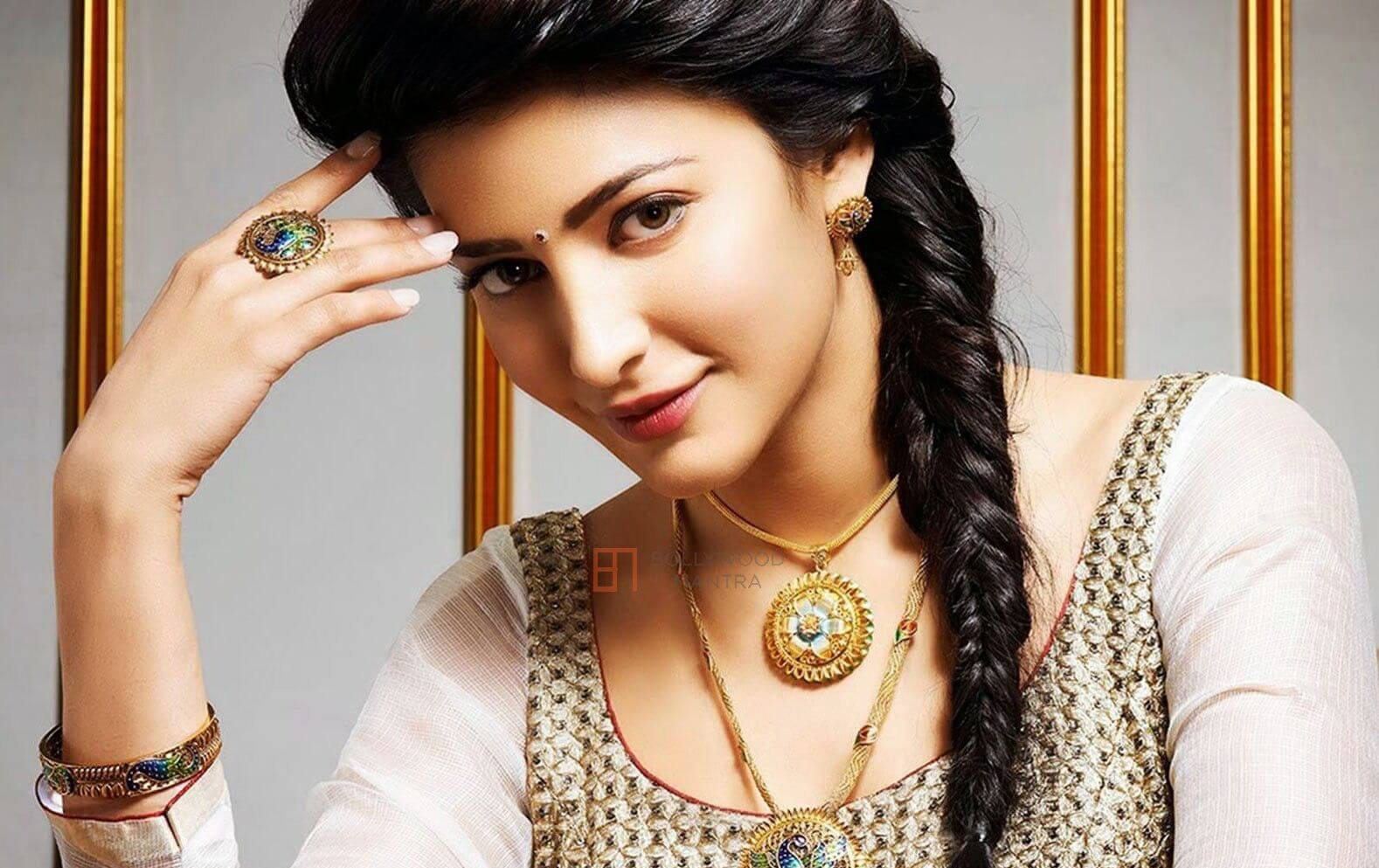 Shruti Haasan Age, Image(photos), Date Of Birth, Height, Boyfriend, Sister, Mother, Religion, Biography, Marriage, Family, Net Worth, Education, Awards, Instagram, Twitter, Wiki, Facebook, Imd ( (158)