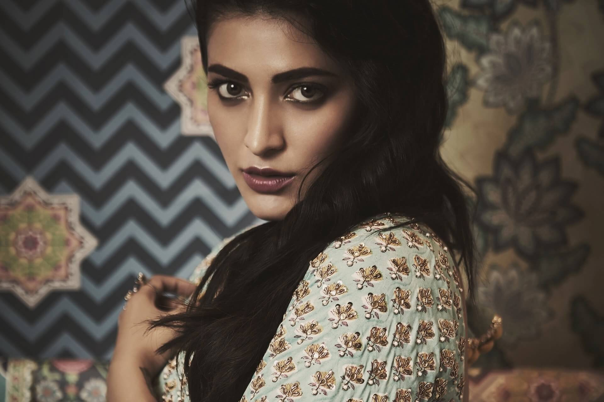 Shruti Haasan Age, Image(photos), Date Of Birth, Height, Boyfriend, Sister, Mother, Religion, Biography, Marriage, Family, Net Worth, Education, Awards, Instagram, Twitter, Wiki, Facebook, Imd ( (166)