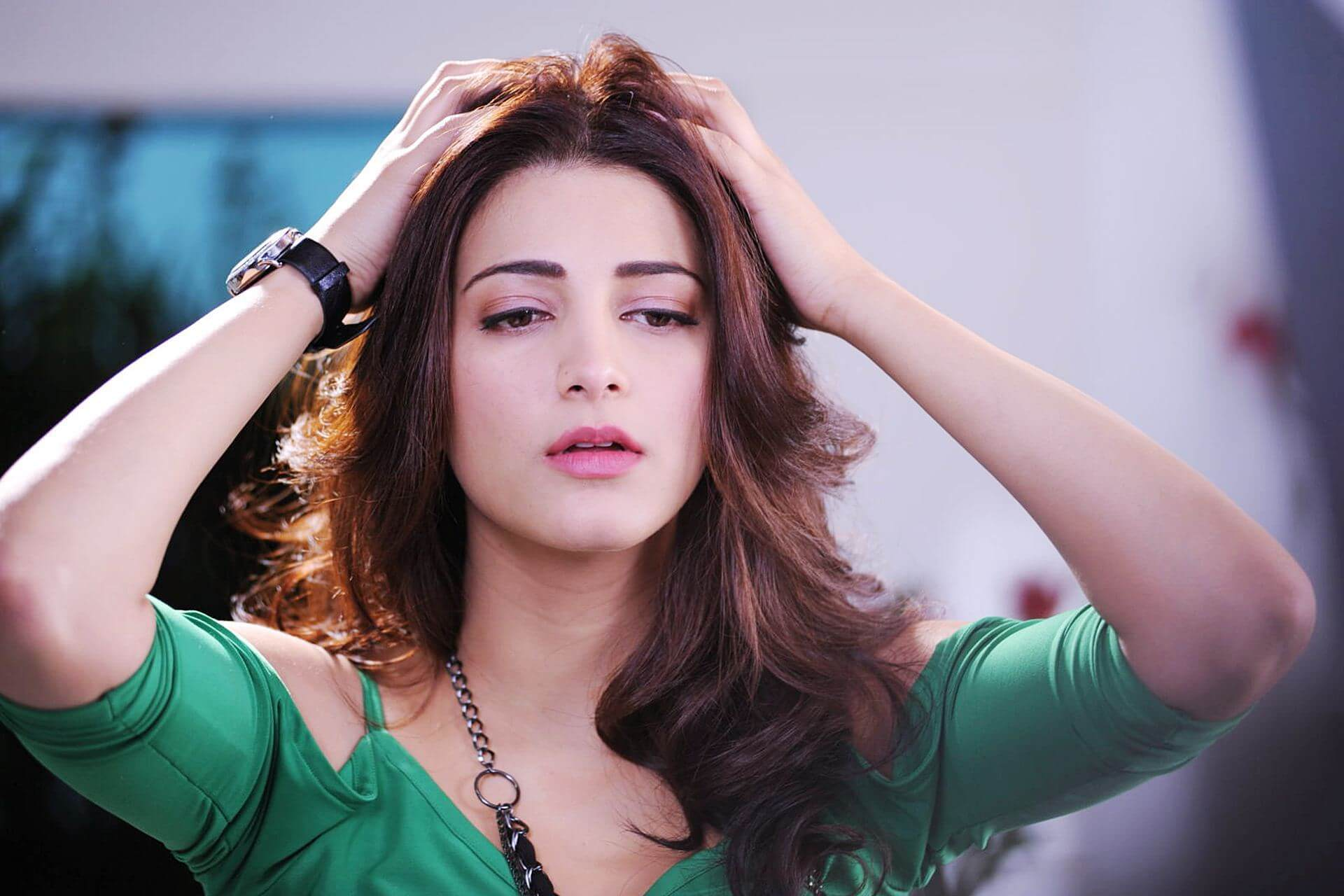 Shruti Haasan Age, Image(photos), Date Of Birth, Height, Boyfriend, Sister, Mother, Religion, Biography, Marriage, Family, Net Worth, Education, Awards, Instagram, Twitter, Wiki, Facebook, Imd ( (173)