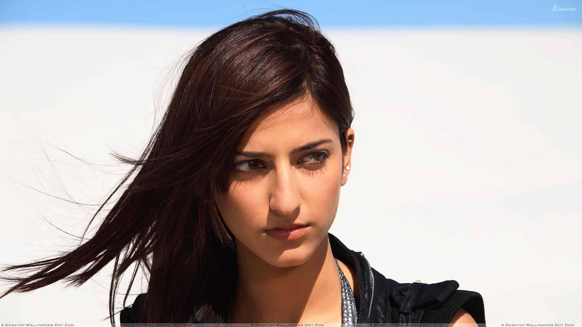 Shruti Haasan Age, Image(photos), Date Of Birth, Height, Boyfriend, Sister, Mother, Religion, Biography, Marriage, Family, Net Worth, Education, Awards, Instagram, Twitter, Wiki, Facebook, Imd ( (193)