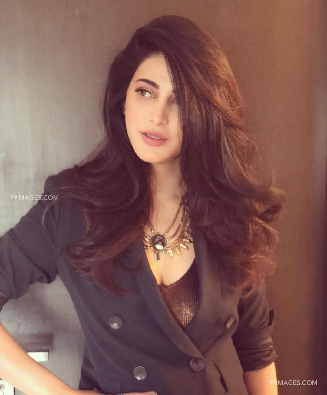 Shruti Haasan Age, Image(photos), Date Of Birth, Height, Boyfriend, Sister, Mother, Religion, Biography, Marriage, Family, Net Worth, Education, Awards, Instagram, Twitter, Wiki, Facebook, Imd ( (236)