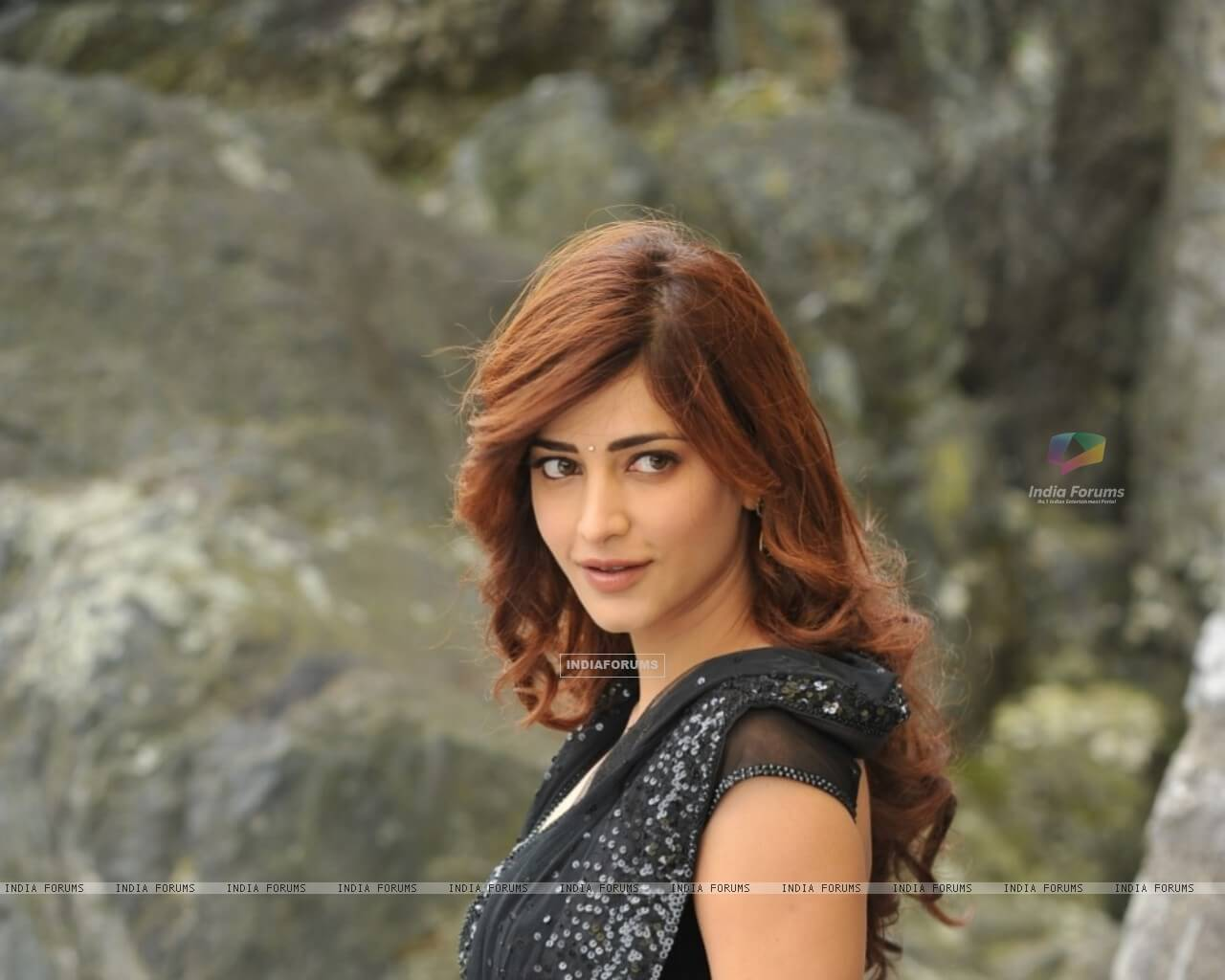 Shruti Haasan Age, Image(photos), Date Of Birth, Height, Boyfriend, Sister, Mother, Religion, Biography, Marriage, Family, Net Worth, Education, Awards, Instagram, Twitter, Wiki, Facebook, Imd ( (237)