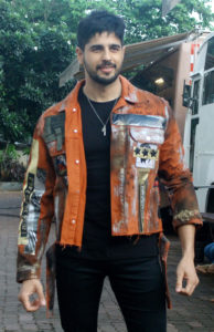 Sidharth Malhotra Movies, Height, Age, Photos, Birth Date, Biography, Girlfriend, Family, Hairstyle, Education, Details, Net Worth, Awards, Wiki, Instagram, Facebook, Imdb, Twitter (1)