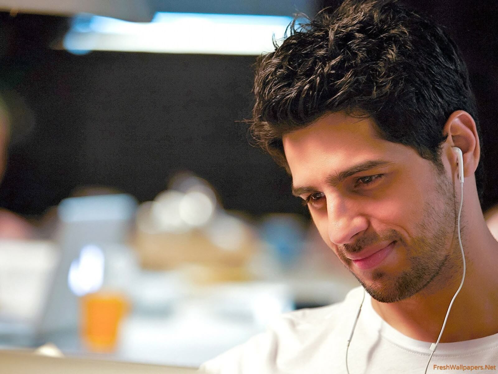 Sidharth Malhotra Movies, Height, Age, Photos, Birth Date, Biography, Girlfriend, Family, Hairstyle, Education, Details, Net Worth, Awards, Wiki, Instagram, Facebook, Imdb, Twitter (13)
