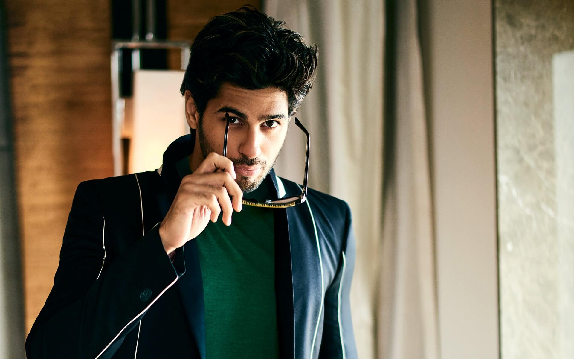 Sidharth Malhotra Movies, Height, Age, Photos, Birth Date, Biography, Girlfriend, Family, Hairstyle, Education, Details, Net Worth, Awards, Wiki, Instagram, Facebook, Imdb, Twitter (22)
