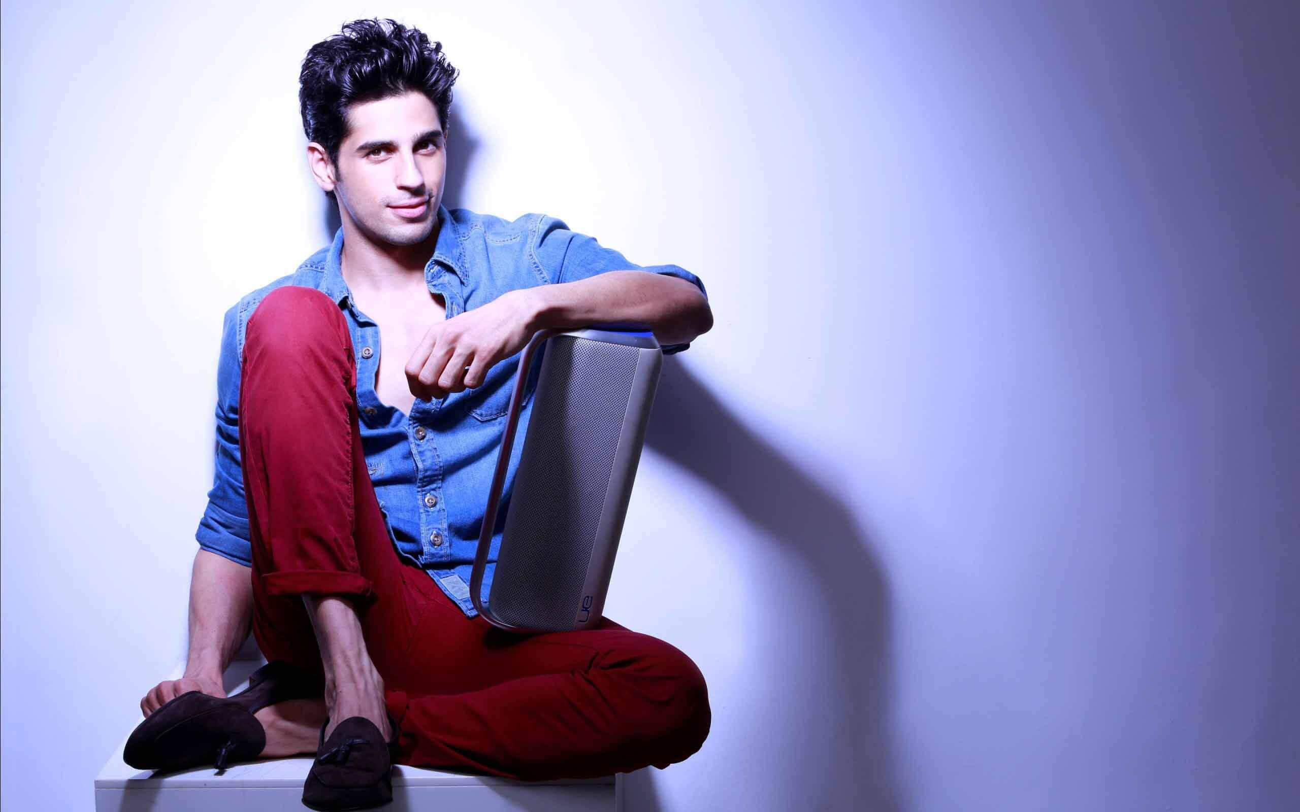 Sidharth Malhotra Movies, Height, Age, Photos, Birth Date, Biography, Girlfriend, Family, Hairstyle, Education, Details, Net Worth, Awards, Wiki, Instagram, Facebook, Imdb, Twitter (29)