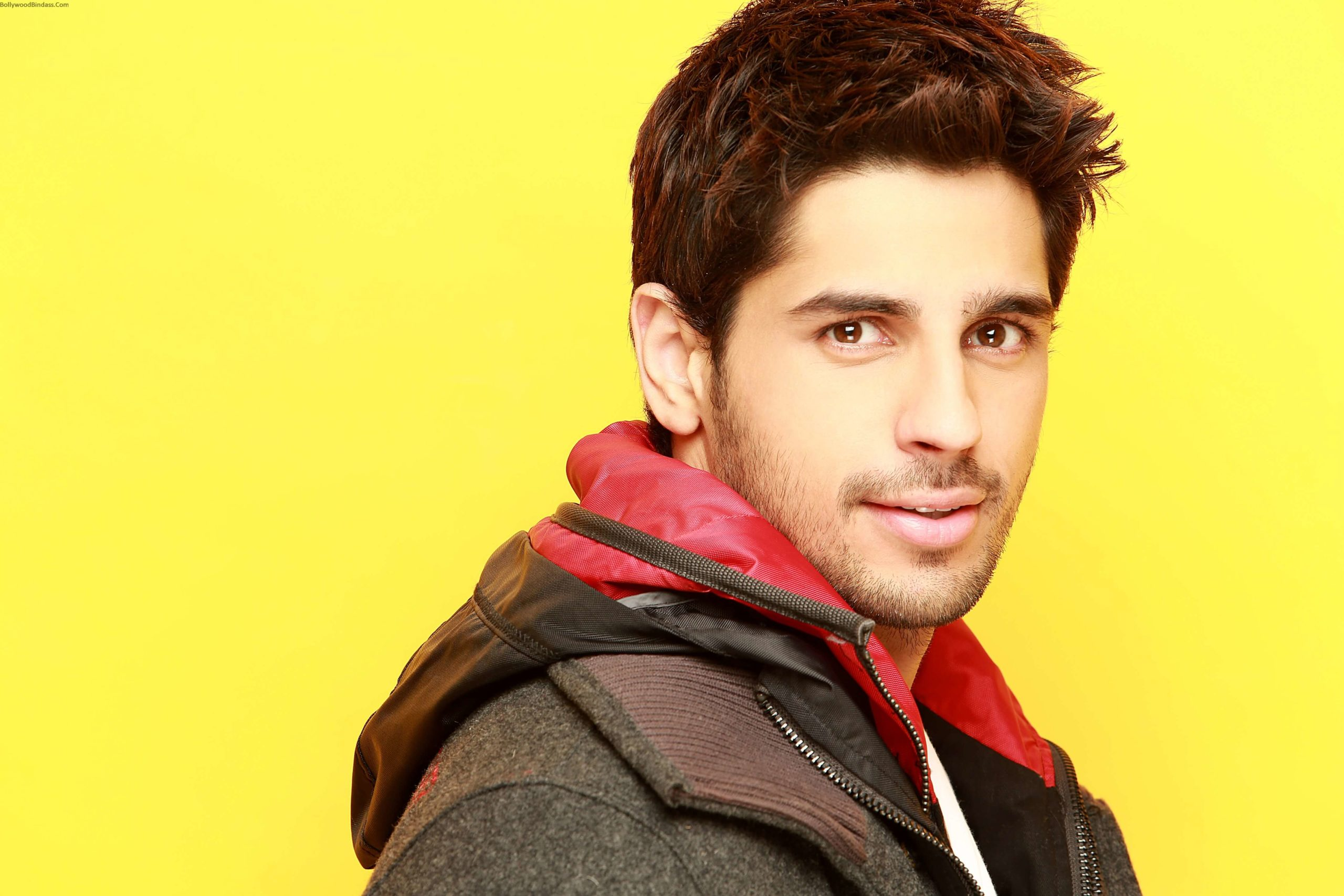 Sidharth Malhotra Movies, Height, Age, Photos, Birth Date, Biography, Girlfriend, Family, Hairstyle, Education, Details, Net Worth, Awards, Wiki, Instagram, Facebook, Imdb, Twitter (4)