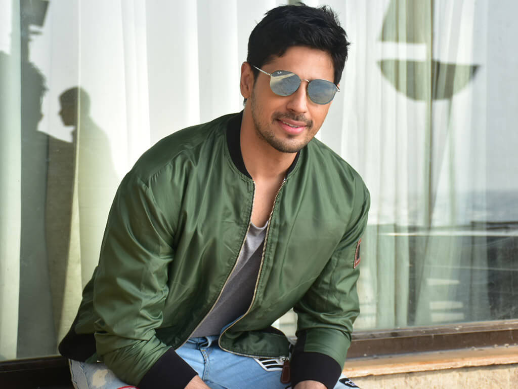 Sidharth Malhotra Movies, Height, Age, Photos, Birth Date, Biography, Girlfriend, Family, Hairstyle, Education, Details, Net Worth, Awards, Wiki, Instagram, Facebook, Imdb, Twitter (70)