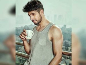 Sidharth Malhotra Movies, Height, Age, Photos, Birth Date, Biography, Girlfriend, Family, Hairstyle, Education, Details, Net Worth, Awards, Wiki, Instagram, Facebook, Imdb, Twitter (85)