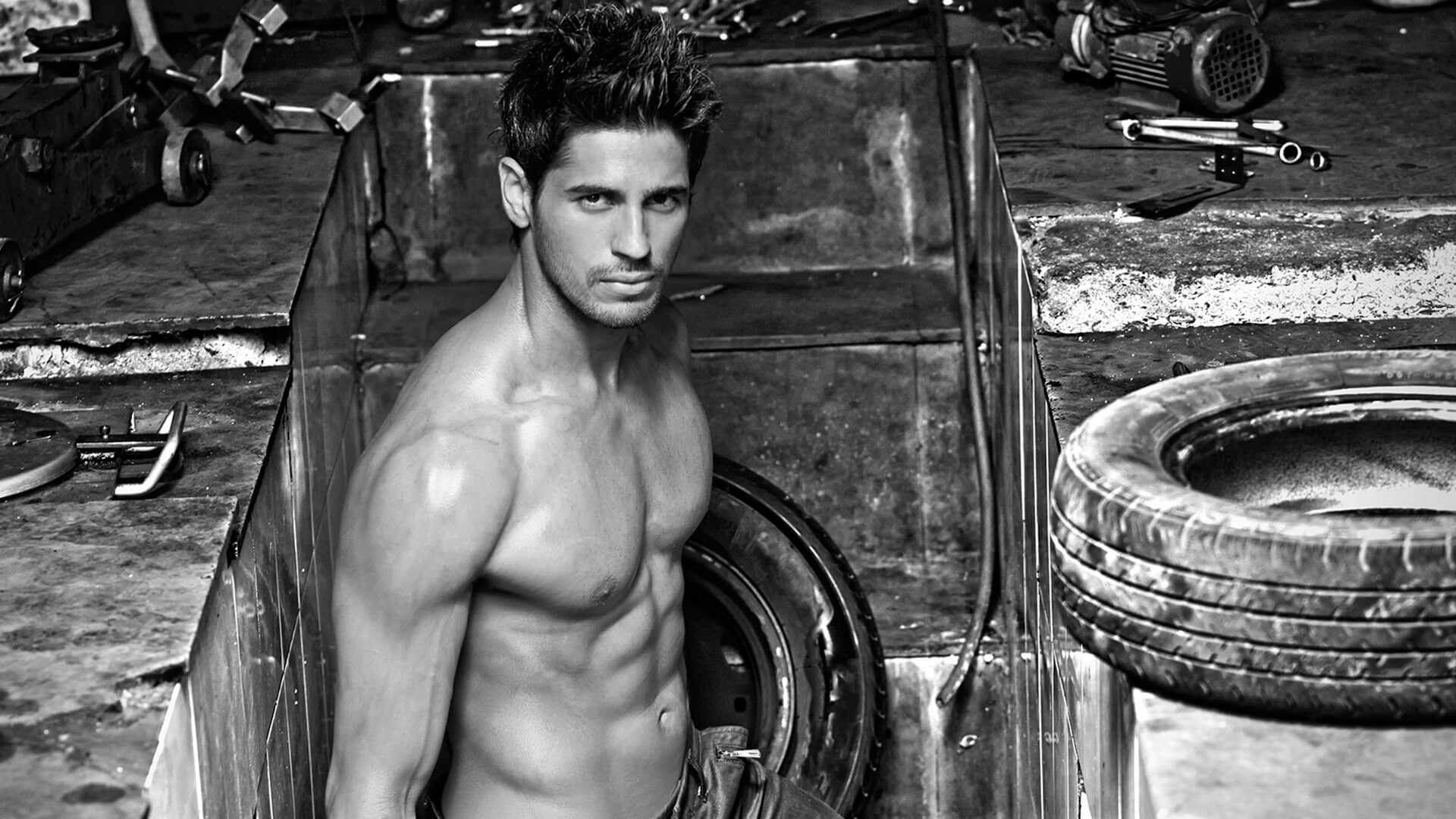 Sidharth Malhotra Movies, Height, Age, Photos, Birth Date, Biography, Girlfriend, Family, Hairstyle, Education, Details, Net Worth, Awards, Wiki, Instagram, Facebook, Imdb, Twitter (9)