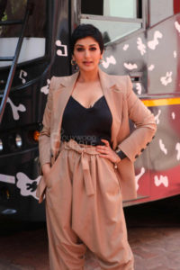Sonali Bendre Cancer, Death, Photos(image), Family, Husband, Biography, Date Of Birth, Movies, Latest News, Haircut, Net Worth, Married, Education, Son, Awards, Instagram, Wiki, Twitter, Faceb ( (11)