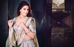 Sonali Bendre Cancer, Death, Photos(image), Family, Husband, Biography, Date Of Birth, Movies, Latest News, Haircut, Net Worth, Married, Education, Son, Awards, Instagram, Wiki, Twitter, Faceb ( (25)