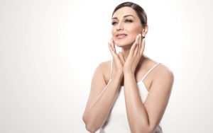 Sonali Bendre Cancer, Death, Photos(image), Family, Husband, Biography, Date Of Birth, Movies, Latest News, Haircut, Net Worth, Married, Education, Son, Awards, Instagram, Wiki, Twitter, Faceb ( (35)