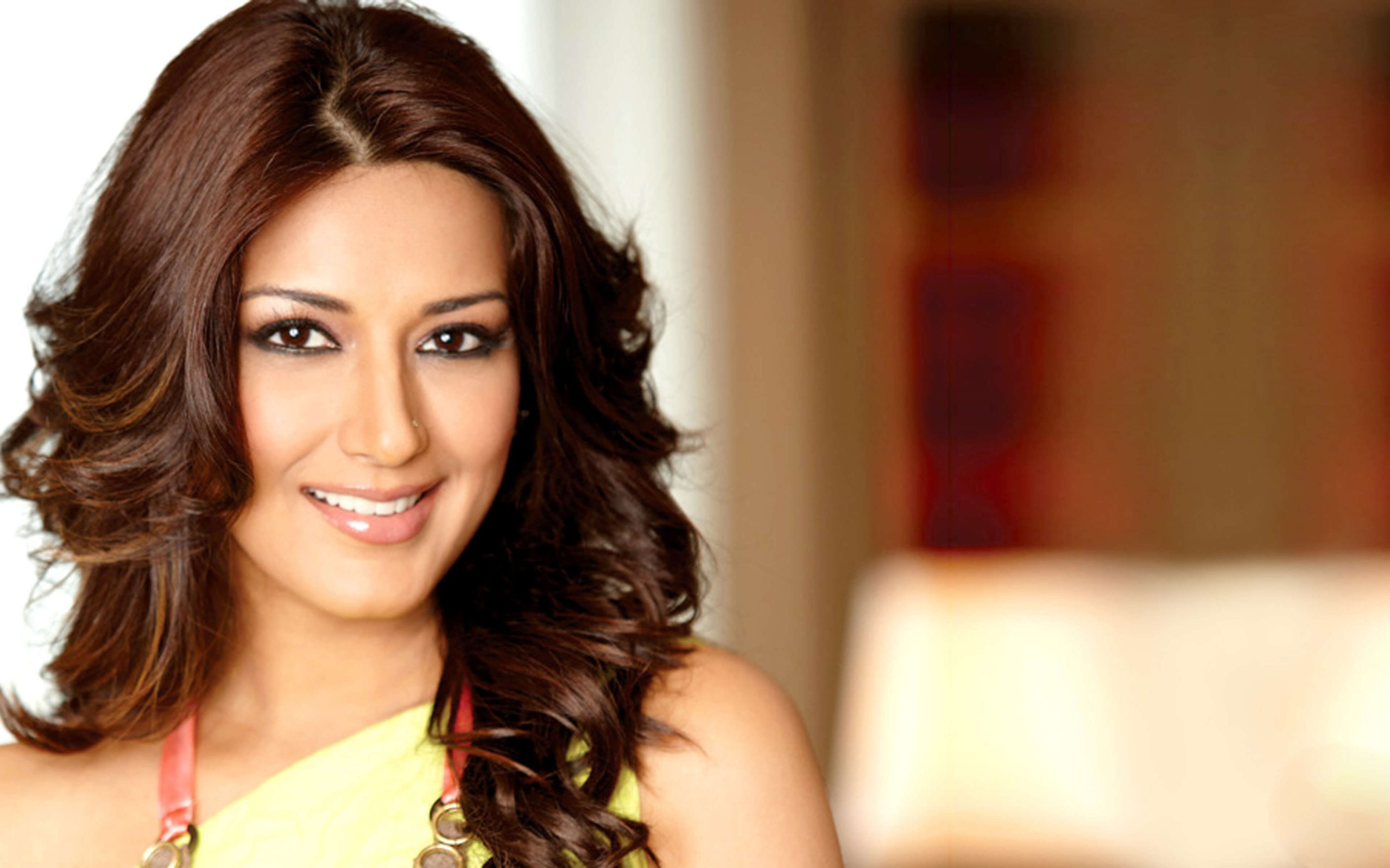 Sonali Bendre Cancer, Death, Photos(image), Family, Husband, Biography, Date Of Birth, Movies, Latest News, Haircut, Net Worth, Married, Education, Son, Awards, Instagram, Wiki, Twitter, Faceb ( (45)