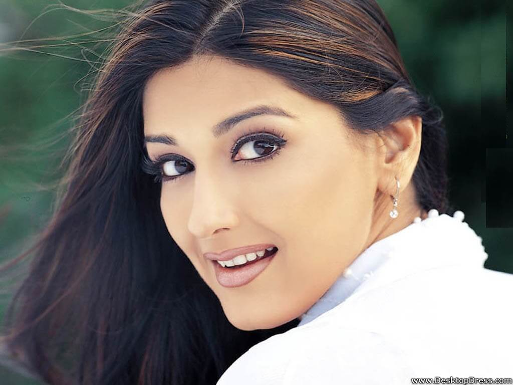 Sonali Bendre Cancer, Death, Photos(image), Family, Husband, Biography, Date Of Birth, Movies, Latest News, Haircut, Net Worth, Married, Education, Son, Awards, Instagram, Wiki, Twitter