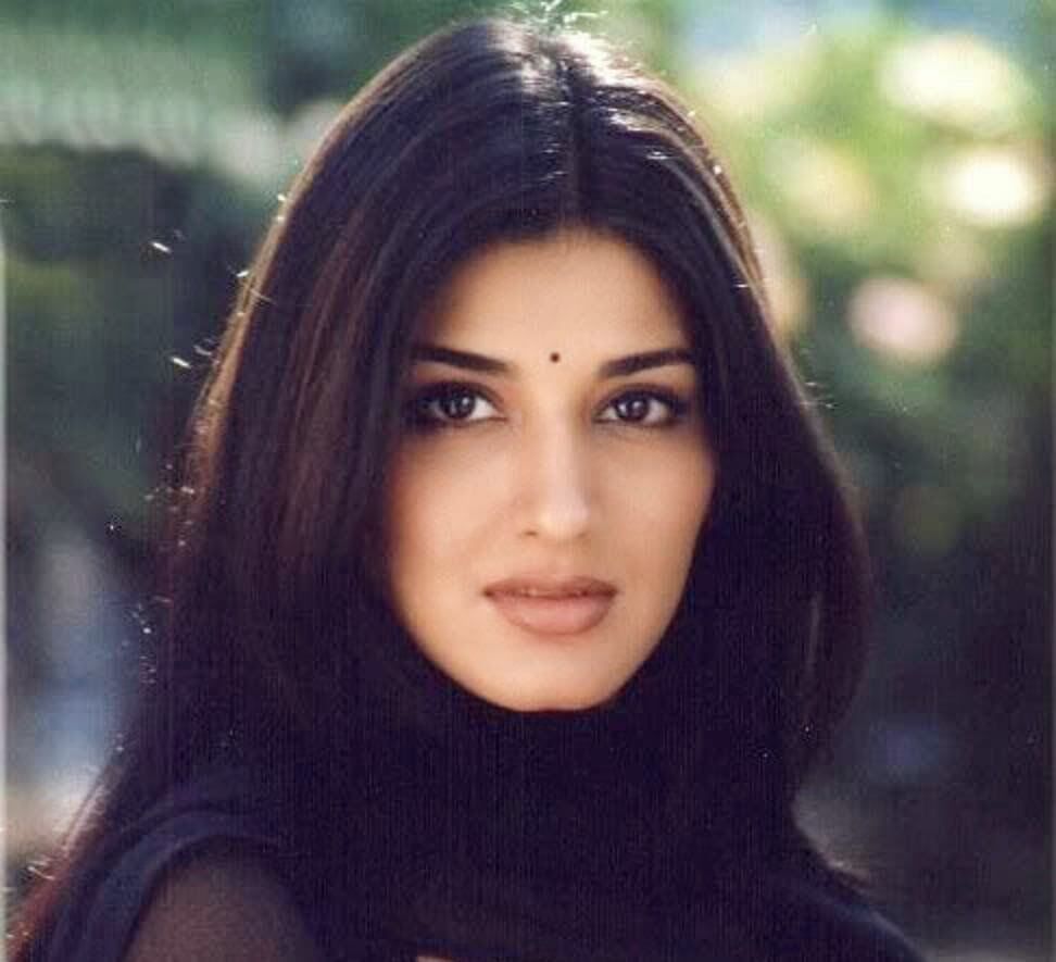 Sonali Bendre Cancer, Death, Photos(image), Family, Husband, Biography, Date Of Birth, Movies, Latest News, Haircut, Net Worth, Married, Education, Son, Awards, Instagram, Wiki, Twitter, Faceb ( (47)