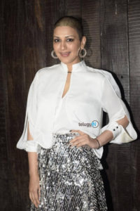 Sonali Bendre Cancer, Death, Photos(image), Family, Husband, Biography, Date Of Birth, Movies, Latest News, Haircut, Net Worth, Married, Education, Son, Awards, Instagram, Wiki, Twitter, Faceb ( (70)