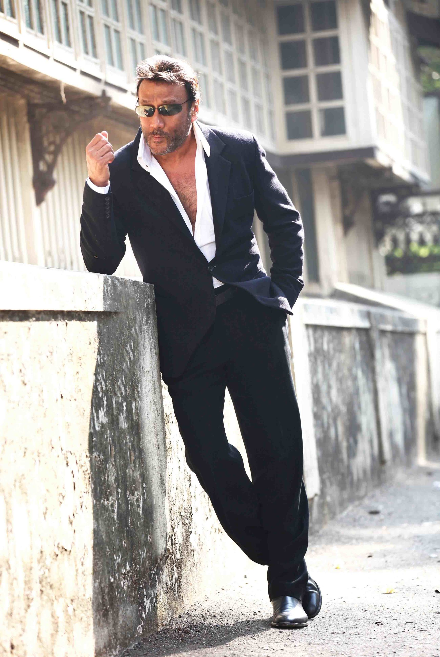 Jackie Shroff Age, Wife, Movie, Family, Daughter, Son, Date Of Birth, Net Worth, Height, Religion, Biography, Photo(image), History, Instagram, Twitter, Facebook, Wiki, Imdb, Website (5) (1)