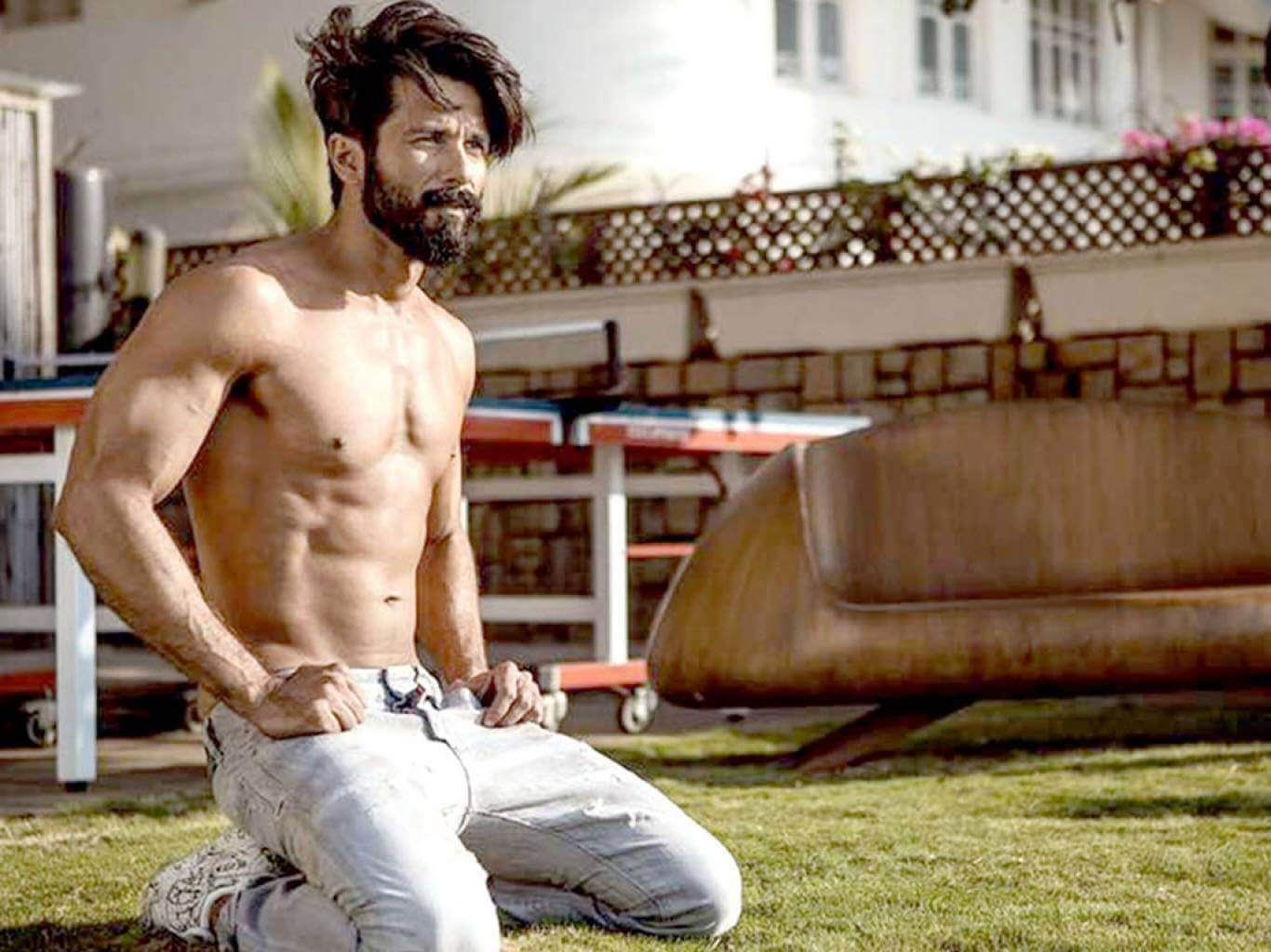 Shahid Kapoor Age, Wife, Height, Movie, Hairstyle, Family, Images(photos), Net Worth, Brother, Education, Biography, Date Of Birth, Awards, Twitter, Instagram, Wiki, Facebook, Imdb, Website (47)