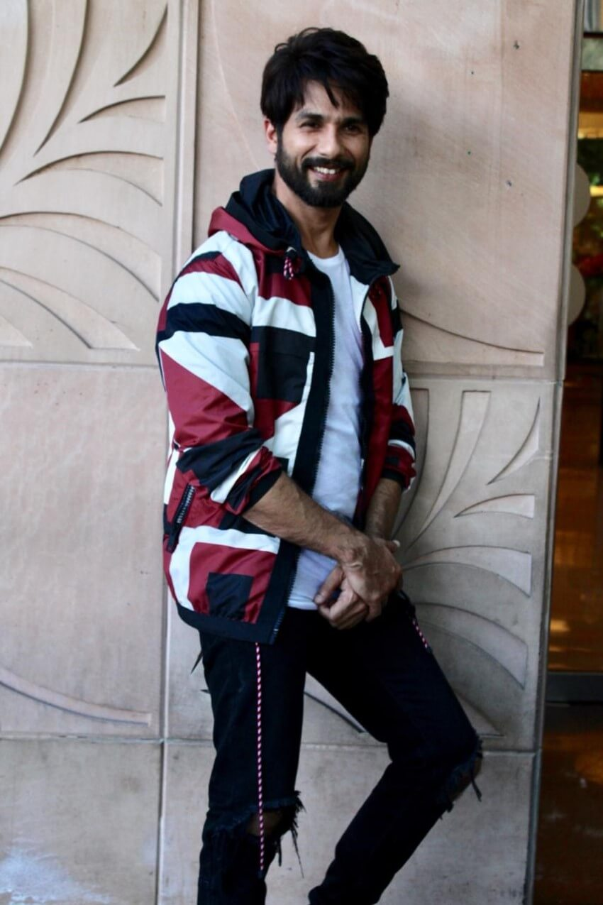 Shahid Kapoor Age, Wife, Height, Movie, Hairstyle, Family, Images(photos), Net Worth, Brother, Education, Biography, Date Of Birth, Awards, Twitter, Instagram, Wiki, Facebook, Imdb, Website (48)