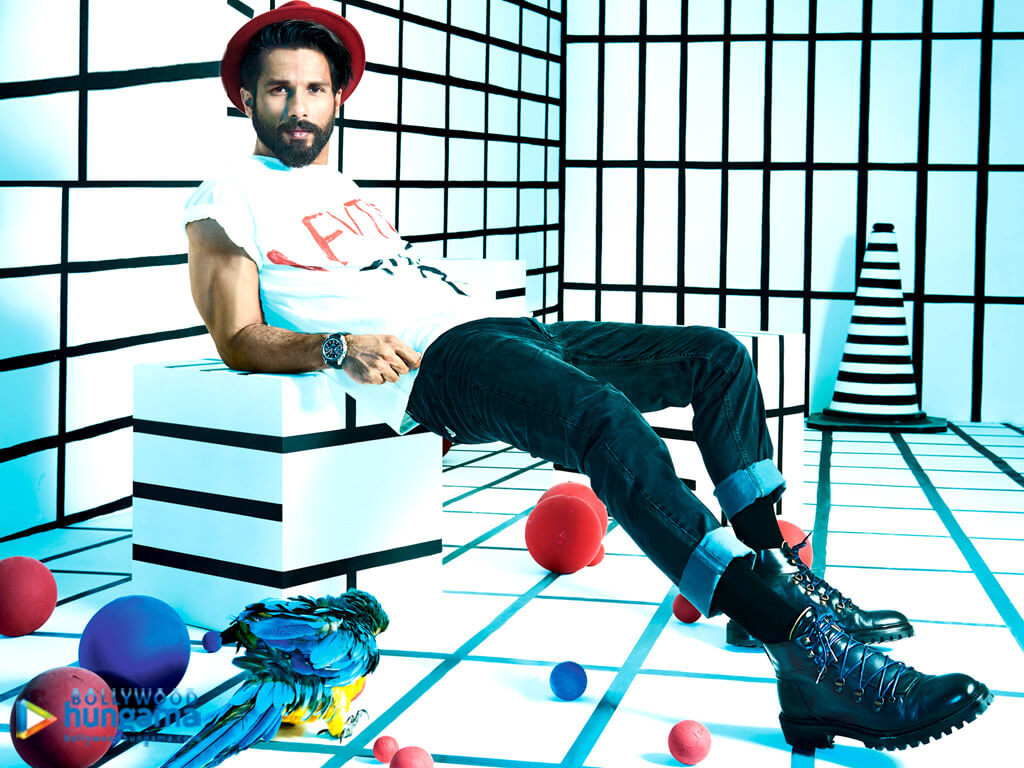 Shahid Kapoor Age, Wife, Height, Movie, Hairstyle, Family, Images(photos), Net Worth, Brother, Education, Biography, Date Of Birth, Awards, Twitter, Instagram, Wiki, Facebook, Imdb, Website (49)