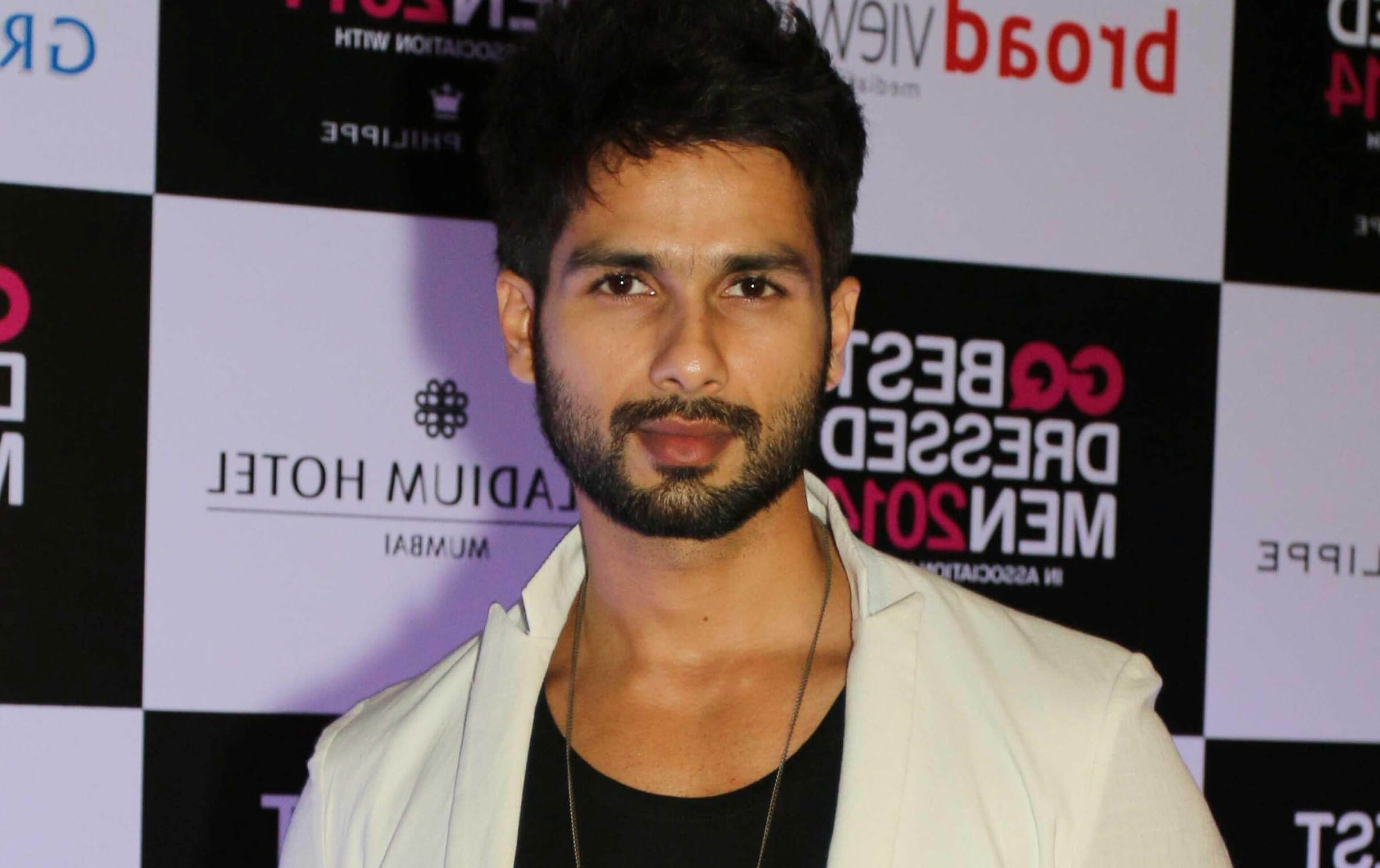 Shahid Kapoor Age, Wife, Height, Movie, Hairstyle, Family, Images(photos), Net Worth, Brother, Education, Biography, Date Of Birth, Awards, Twitter, Instagram, Wiki, Facebook, Imdb, Website (81)