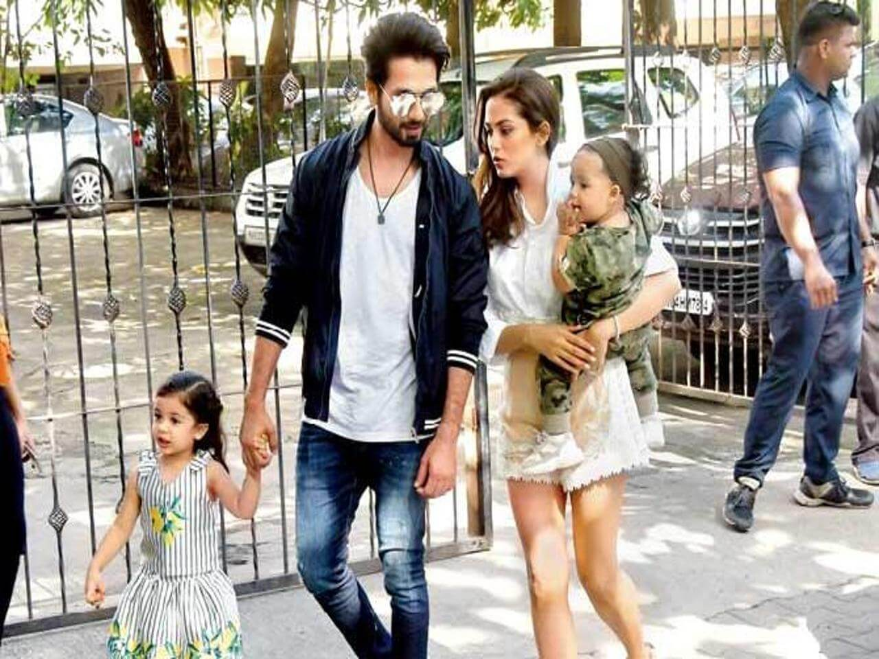 Shahid Kapoor Age, Wife, Height, Movie, Hairstyle, Family, Images(photos), Net Worth, Brother, Education, Biography, Date Of Birth, Awards, Twitter, Instagram, Wiki, Facebook, Imdb, Website (82)