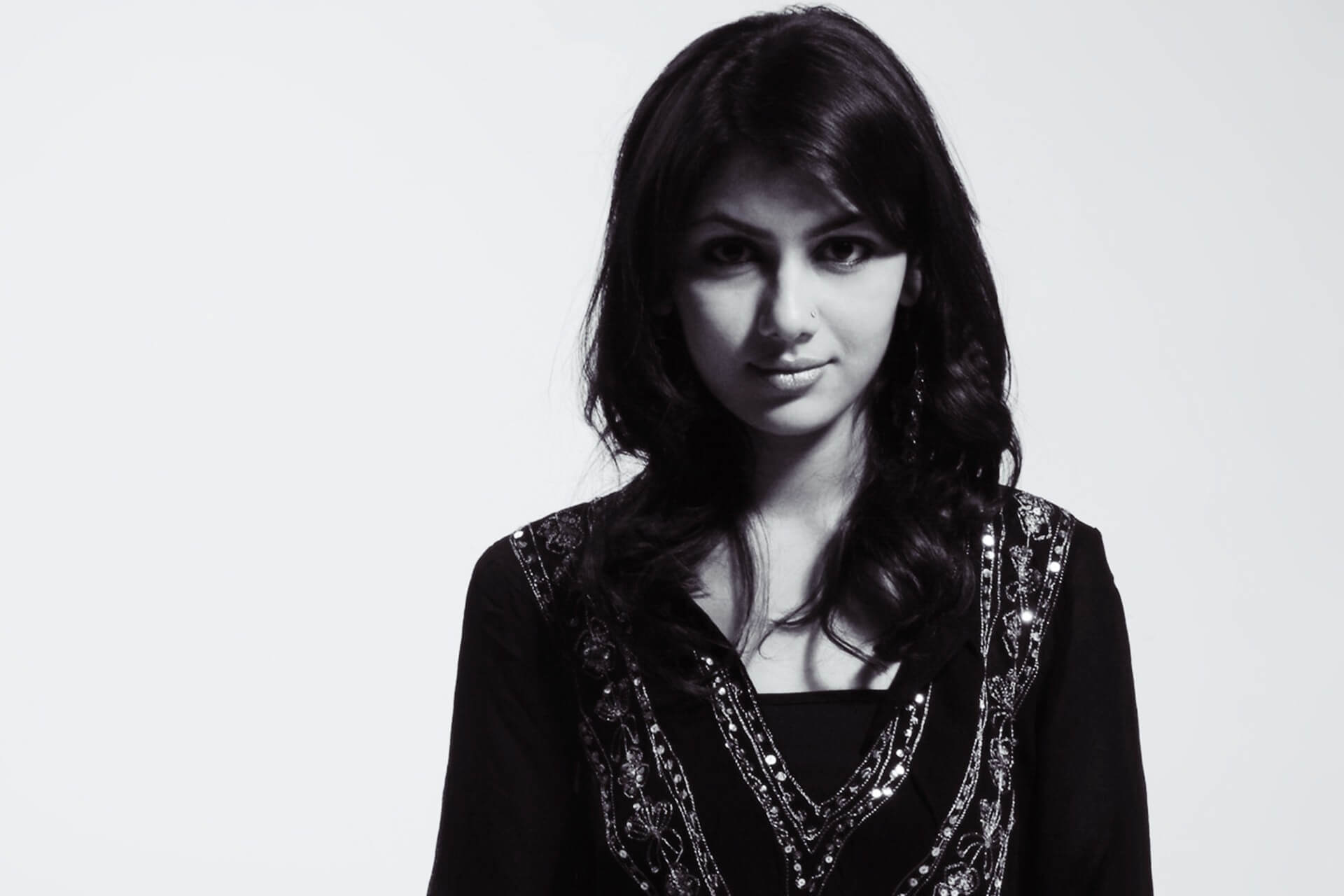 Sriti Jha Age, Photos(images), Biography, Family, Date Of Birth, Husband, Height, Marriage, Net Worth, Education, Awards, Instagram, Facebook, Twitter, Wiki, Imdb (35)