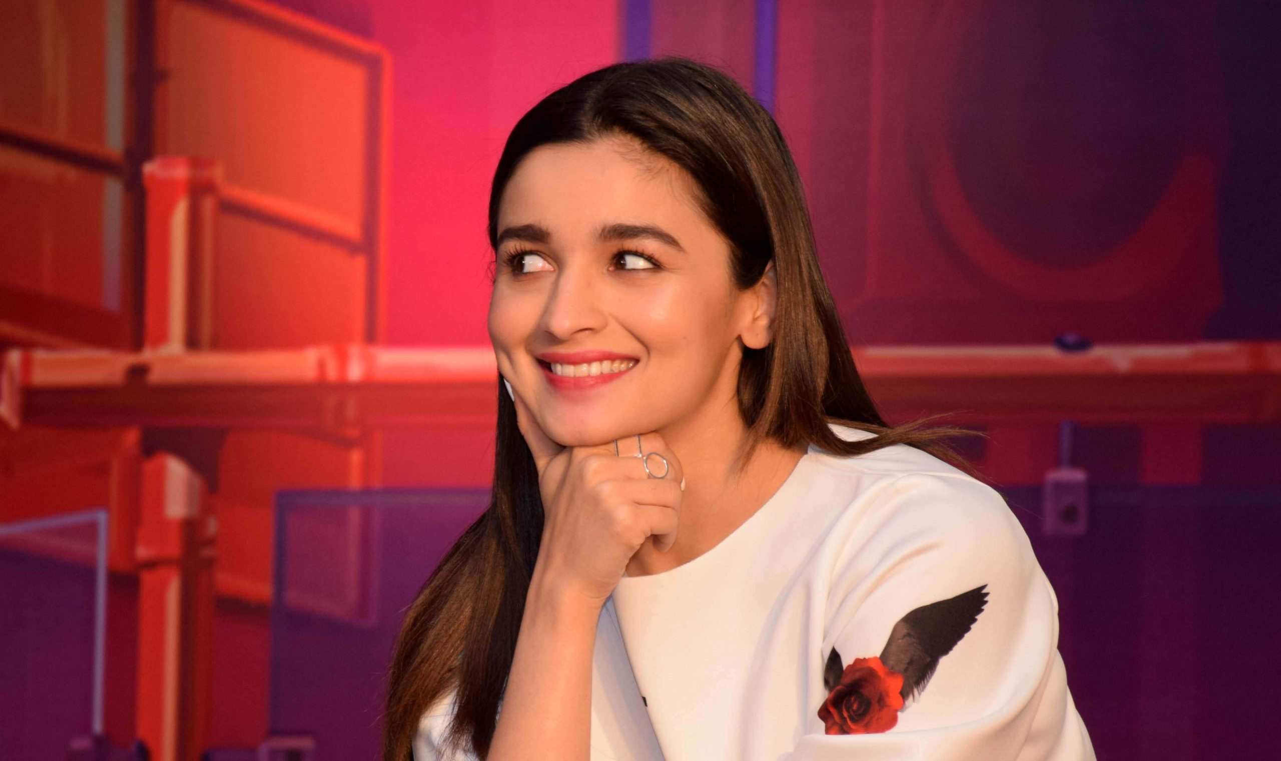 Alia Bhatt Biography, Marriage,age, Photo, Net Worth, Height, Boyfriend, Images, Date Of Birth, Mother, Birthday Date, Sister, In Saree, Husband, Father (16)