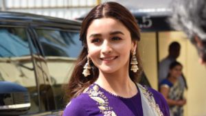 Alia Bhatt Biography, Marriage,age, Photo, Net Worth, Height, Boyfriend, Images, Date Of Birth, Mother, Birthday Date, Sister, In Saree, Husband, Father (23)