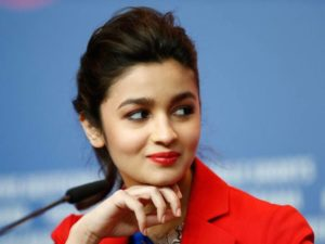 Alia Bhatt Biography, Marriage,age, Photo, Net Worth, Height, Boyfriend, Images, Date Of Birth, Mother, Birthday Date, Sister, In Saree, Husband, Father (24)