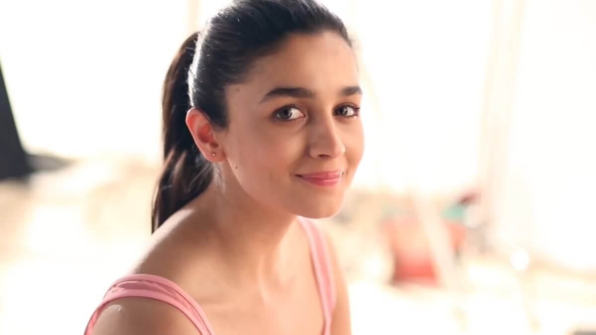 Alia Bhatt Biography, Marriage,age, Photo, Net Worth, Height, Boyfriend, Images, Date Of Birth, Mother, Birthday Date, Sister, In Saree, Husband, Father (36)