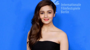 Alia Bhatt Biography, Marriage,age, Photo, Net Worth, Height, Boyfriend, Images, Date Of Birth, Mother, Birthday Date, Sister, In Saree, Husband, Father (4)