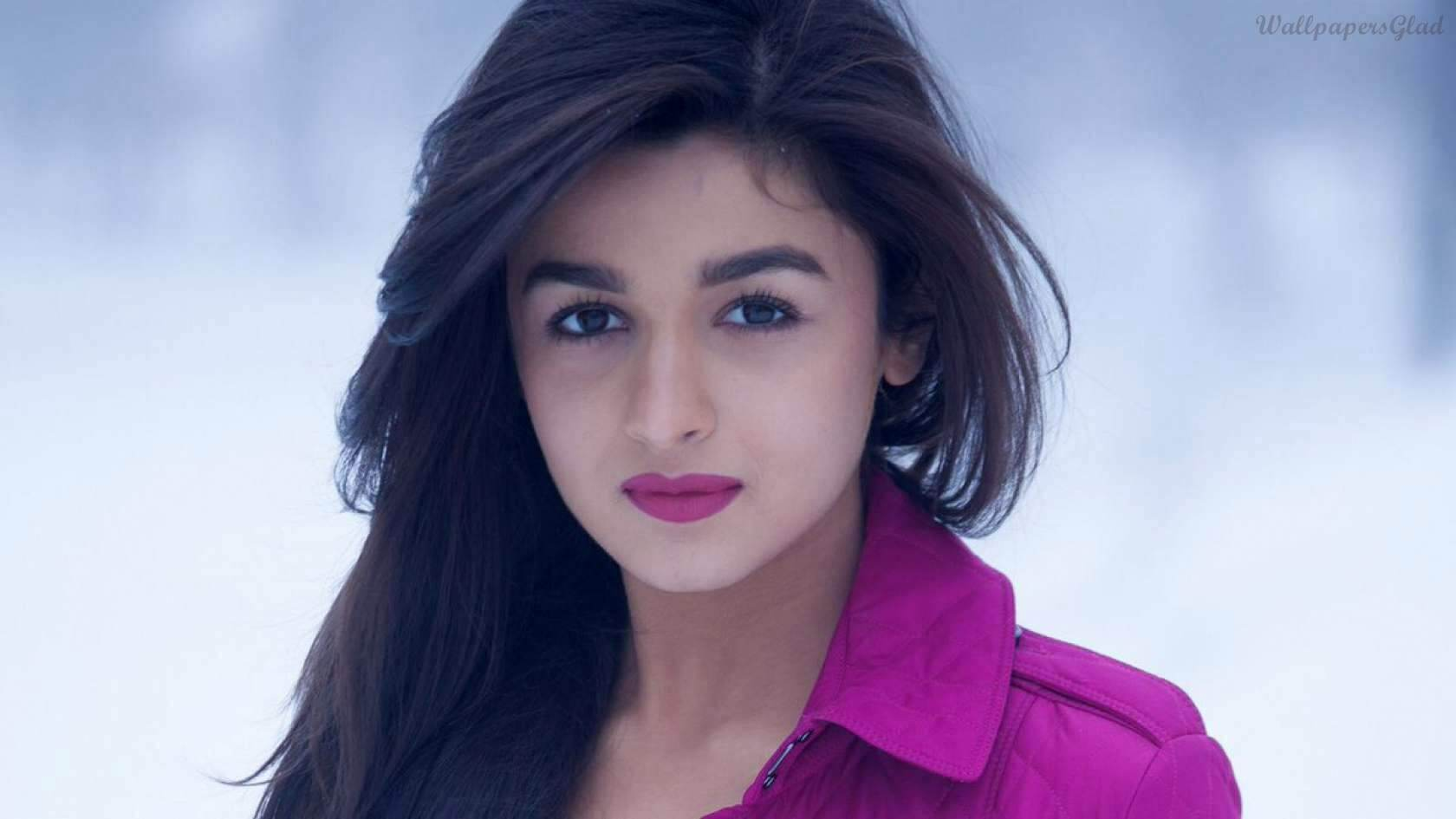 Alia Bhatt Biography, Marriage,age, Photo, Net Worth, Height, Boyfriend, Images, Date Of Birth, Mother, Birthday Date, Sister, In Saree, Husband, Father (5)
