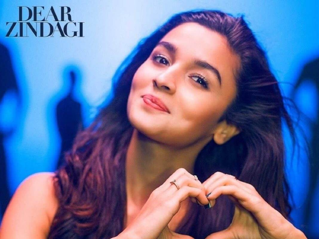 Alia Bhatt Biography, Marriage,age, Photo, Net Worth, Height, Boyfriend, Images, Date Of Birth, Mother, Birthday Date, Sister, In Saree, Husband, Father (6)