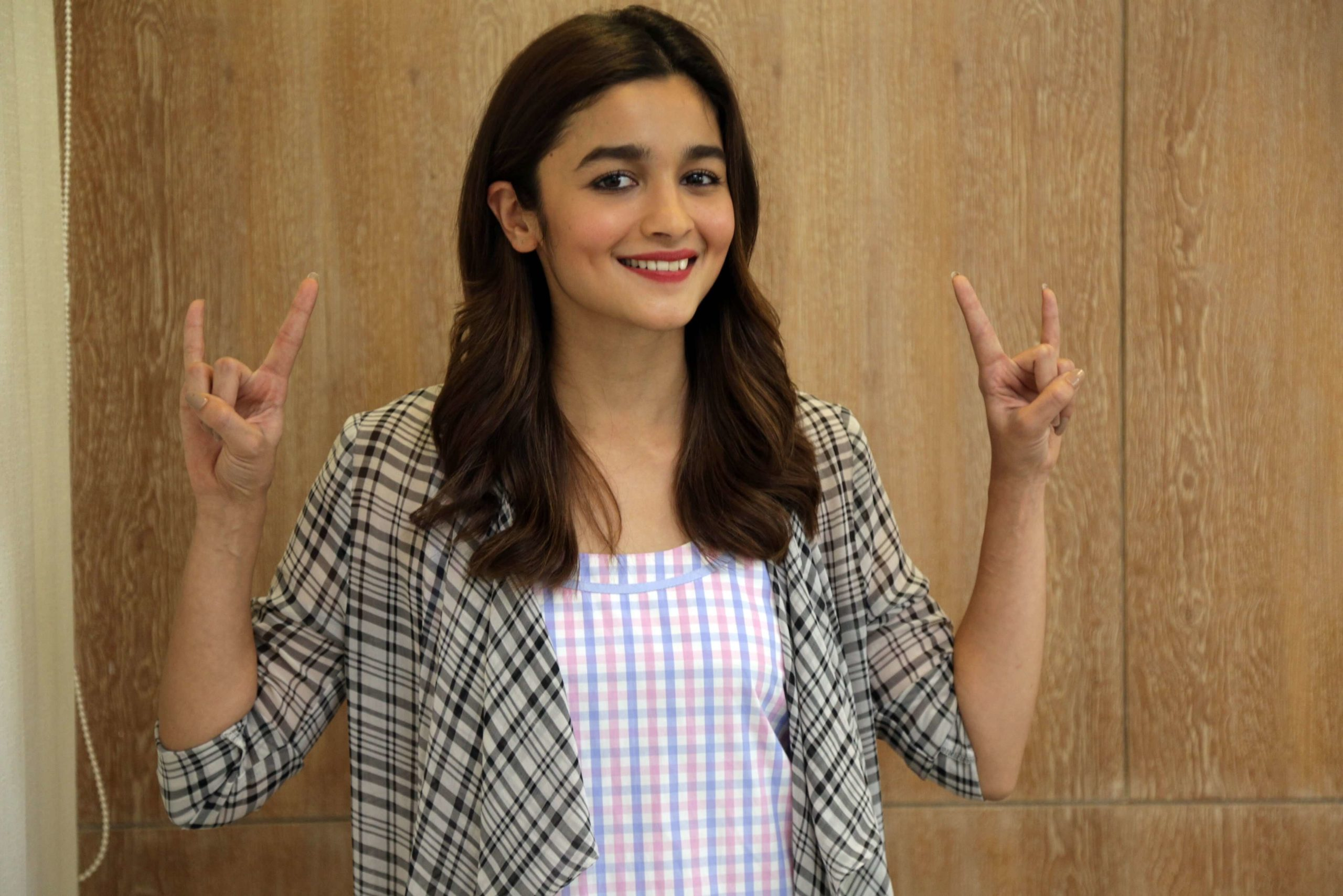 Alia Bhatt Marriage, Biography, Age, Photo, Net Worth, Height, Boyfriend, Images, Date Of Birth, Mother, Birthday Date, Sister, In Saree, Husband, Father (1)