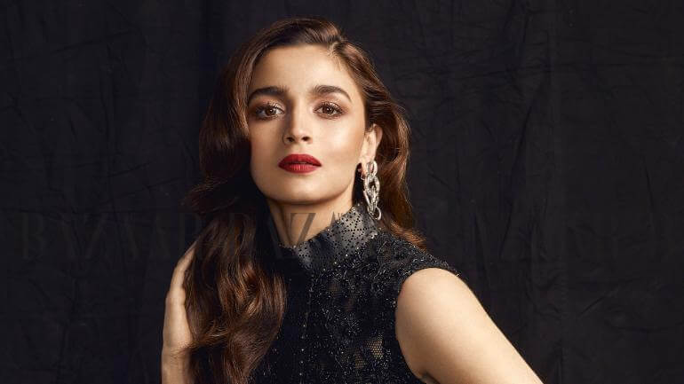 Alia Bhatt Marriage, Biography, Age, Photo, Net Worth, Height, Boyfriend, Images, Date Of Birth, Mother, Birthday Date, Sister, In Saree, Husband, Father (2)