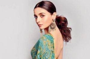 Alia Bhatt Marriage, Biography, Age, Photo, Net Worth, Height, Boyfriend, Images, Date Of Birth, Mother, Birthday Date, Sister, In Saree, Husband, Father (21)